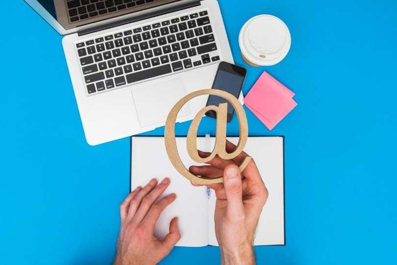 仕事用メールアドレスは独自ドメインで作るべし